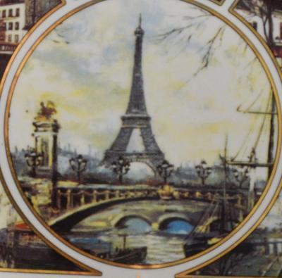 paris-wait-2.jpg